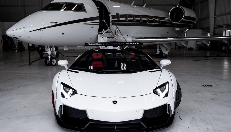airport parking.jpg