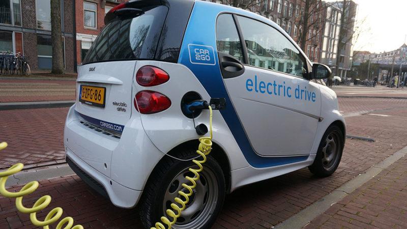 Do-Electric-Cars-Save-Money.jpg