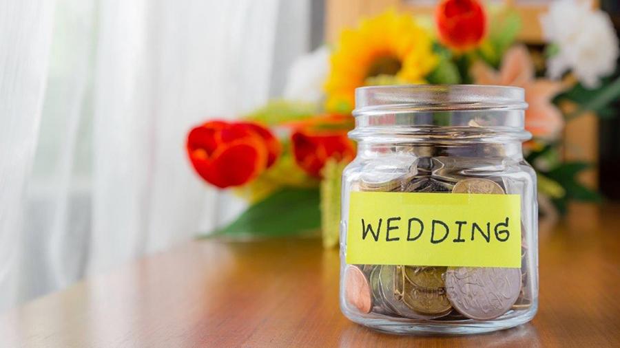 save money on a wedding.jpg